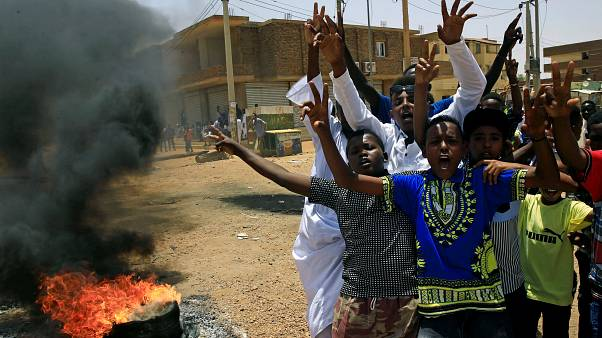 Sudan'ın başkenti Hartum'da sivil itaatsizlik eylemleri başladı: 4 kişi hayatını kaybetti