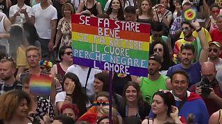 """Gay Pride, in 700mila a Roma: """"nostro arcobaleno contro oscurantismo"""""""