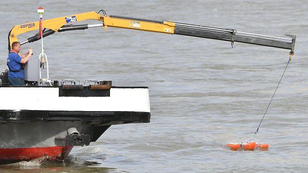 Завершена подготовка к подъему катера