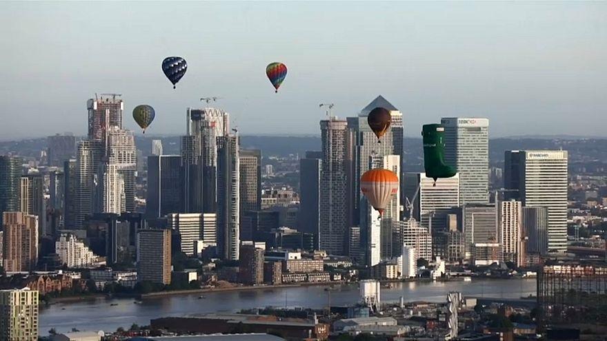 ویدئو، پرواز بالنها بر فراز لندن