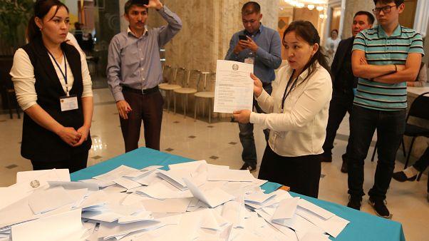 Kazakistan'da cumhurbaşkanlığı seçimini Tokayev kazandı