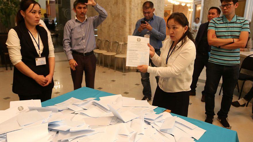 Καζακστάν: Εκλογές και... προσαγωγές