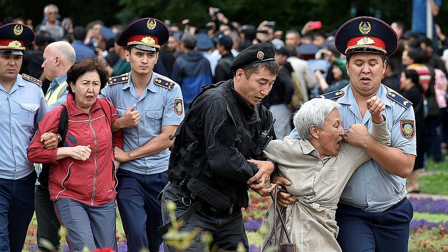 Hunderte Festnahmen in Kasachstan - Wahlsieg von Tokajew sicher