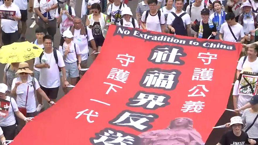 Χονγκ Κονγκ: Σοβαρές συγκρούσεις αστυνομίας - διαδηλωτών