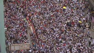 هونغ كونغ: مظاهرات ضخمة احتجاجا على مشروع قانون تسليم مطلوبين إلى الصين
