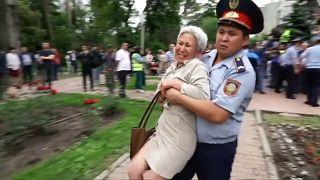 اعتقالات بالجملة في كزخستان من المحتجين على الانتخابات
