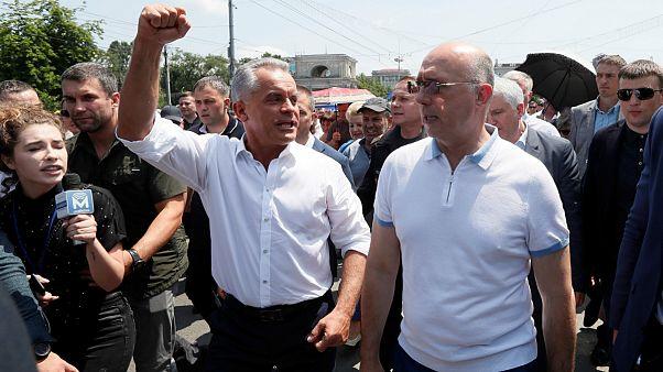 پاول فیلیپ، رئیس جمهوری موقت مولداوی در جمع هواداران حزب دمکرات