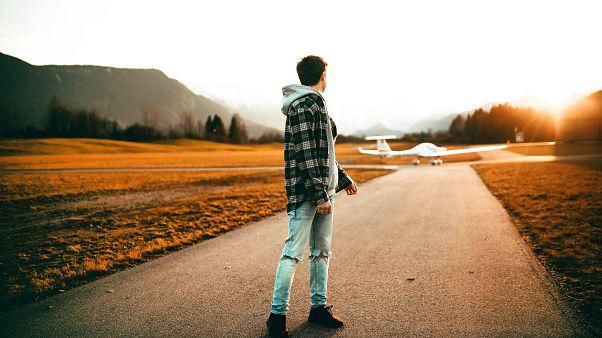 لا يحتاج الإنسان إلى ذيل ليتوازن خلال مشيه
