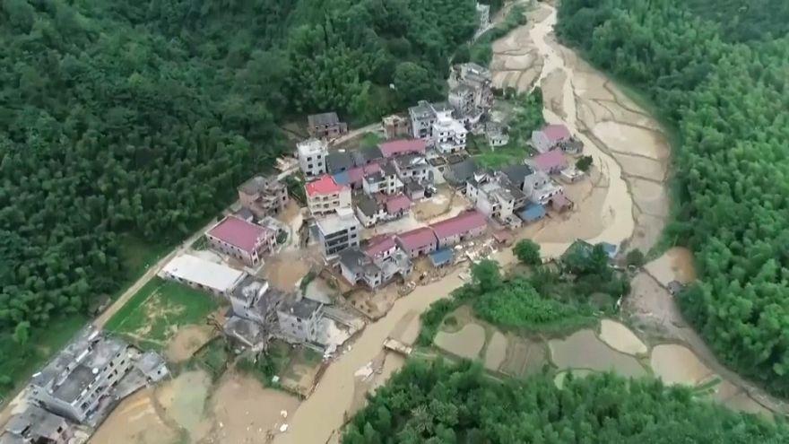 Наводнения и оползни в Китае