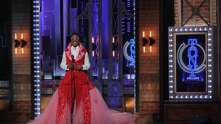 Tony Awards 2019 sees repurposed curtains on the red carpet