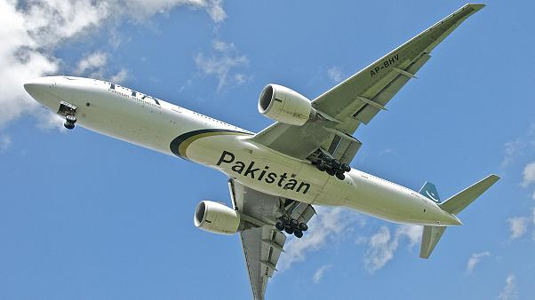 طائرة تابعة للخطوط الجوية الدولية الباكستانية
