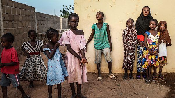 Mali'de bir köye silahlı saldırı: En az 95 hayatını kaybetti, evler ateşe verildi
