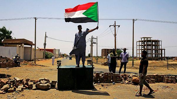 معترضان به شورای نظامی حاکم بر سودان