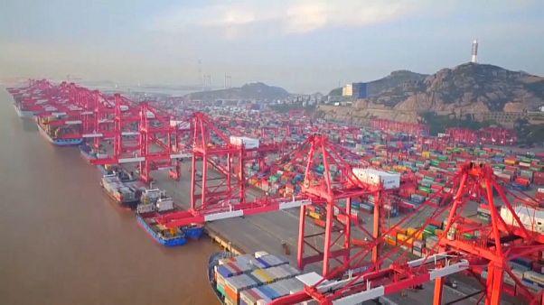 China: suben las exportaciones, se hunden las importaciones