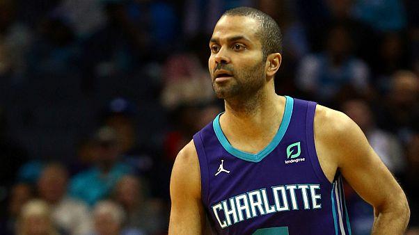 """Tony Parker """"pendura"""" as botas após um ano nos Charlotte Hornets"""