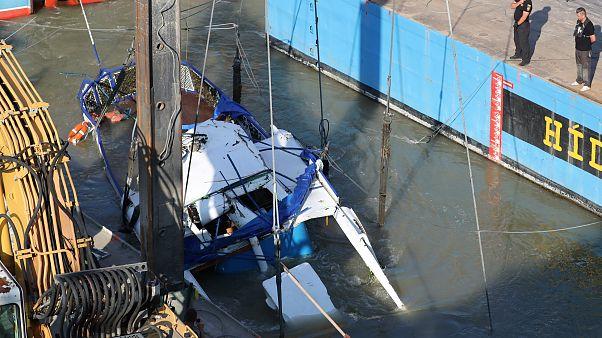Ουγγαρία: Άρχισε η διαδικασία της ανέλκυσης του πλοίου που βυθίστηκε στον Δούναβη