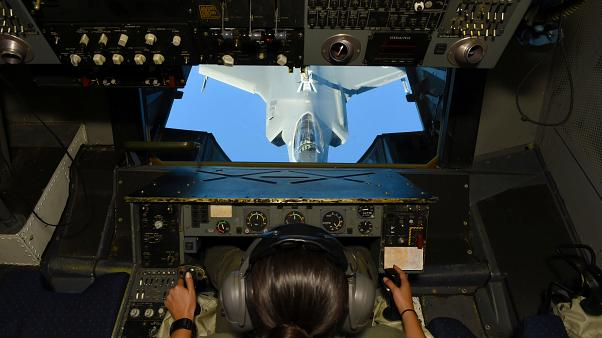 İngiltere'ye ait F-35 savaş uçakları Suriye ve Irak'ta uçuşlara başladı