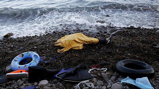 طفلان وأربعُ نساء ورجلٌ يلقون حتفهم غرقاً قبالة جزيرة ليسبوس اليونانية
