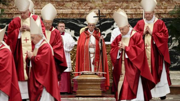 Vatikan: Cinsiyet tanrı tarafından verilir sonradan tercih edilmez