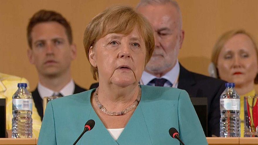 Merkel in Genf: Menschen sollen sich auf Arbeit verwirklichen