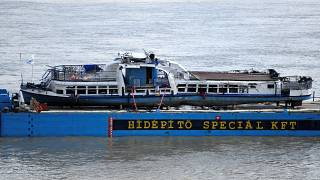 Ουγγαρία: Η ανέλκυση του πλοίου που βυθίστηκε στο Δούναβη