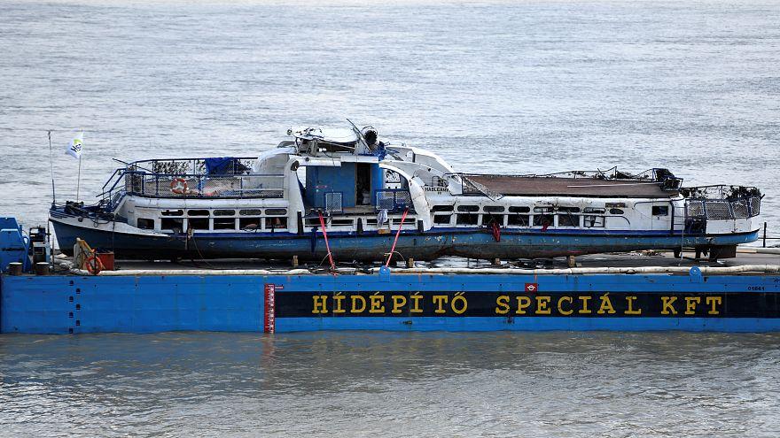 Budapest : l'épave du Sirène tirée des eaux