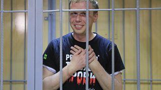 Autoridades russas libertam jornalista detido na semana passada