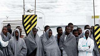 AB'den göçmen konusunda iş birliği yapmayan ülkelere vize cezası