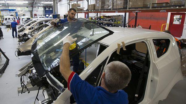 مصنع للسيارات الكهربائية في فرنسا