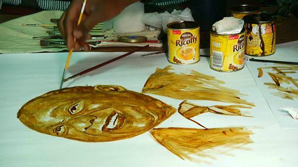 ویدئو؛ هنرمندی که با قهوه نقاشی ۱۲۰۰ دلاری میکشد
