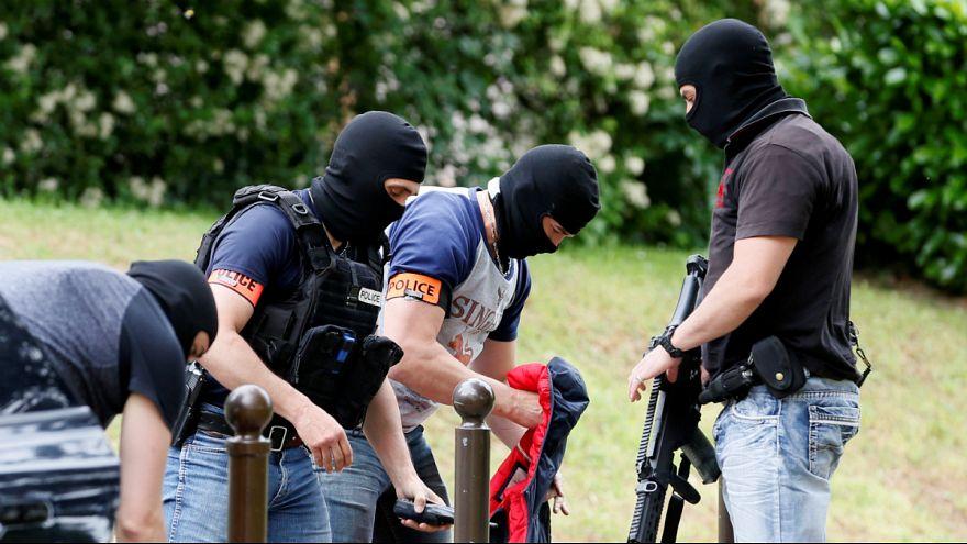 طرح حمله علیه مسلمانان و یهودیان در فرانسه؛ پلیس گروه نئونازی را متلاشی کرد
