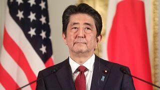 رئيس الوزراء الياباني شينزو آبي في مؤتمر صحفي في طوكيو يوم 27 مايو ايار 2019