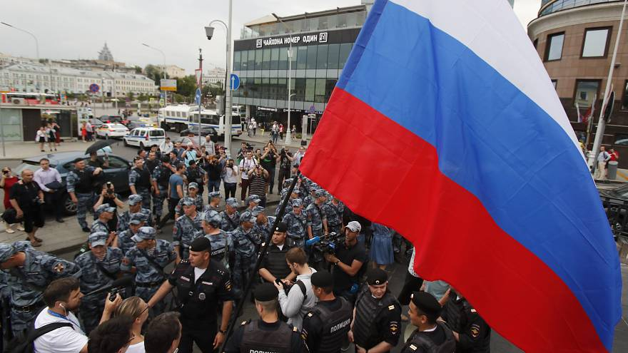 Несанкционированная акция в поддержку журналиста Ивана Голунова в Москве