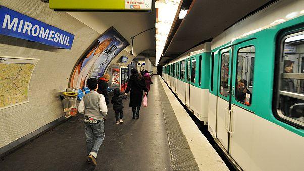 Pariser Metro schafft Fahrkarten aus Papier ab
