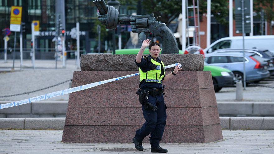 ضابط شرطة سويدية