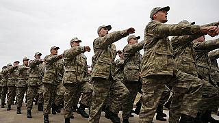 Yeni askerlik kanun tasarısı Meclis'te: Muhalefetin eleştirileri ve iktidarın argümanları neler?