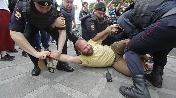 Navalny among hundreds arrested at protest over Golunov's 'framing'