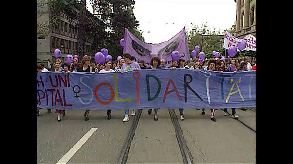 Parità di genere: le donne svizzere in piazza. Ecco perché