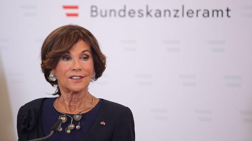 Chanceler austríaca promete estabilidade e segurança