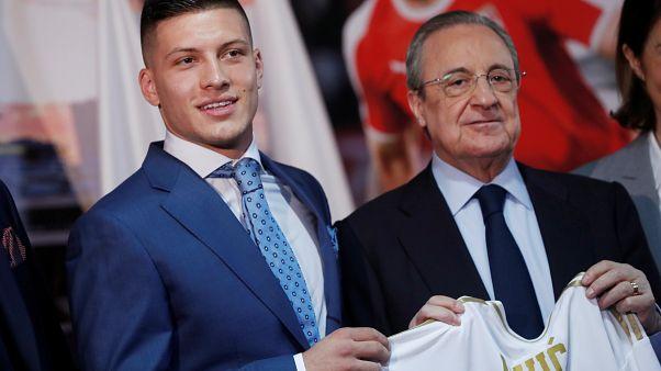 Η Ρεάλ Μαδρίτης παρουσίασε τον Λούκα Γιόβιτς