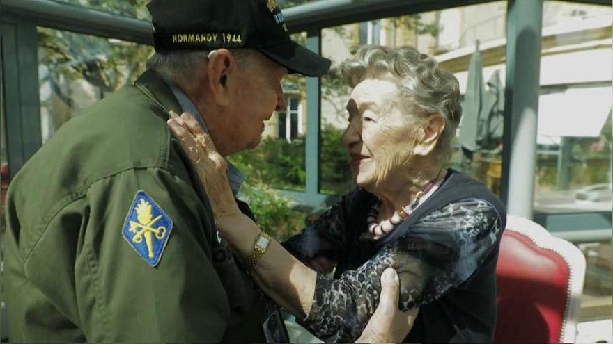 İkinci Dünya Savaşı'nda birbirlerine aşık olan ABD'li askerle Fransız kadın 75 yıl sonra buluştu