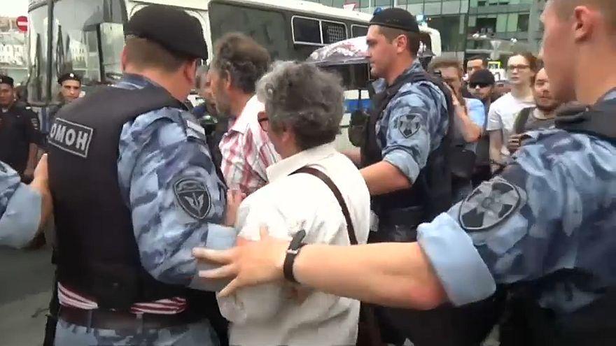 Hunderte Festnahmen in Moskau