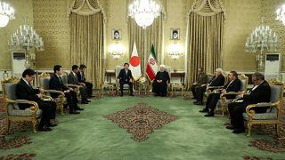 روحاني مستقبلاً رئيس الوزراء الياباني