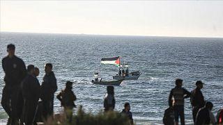 İsrail helyum gazlı balon atıldığı için Gazze'ye kapsamlı deniz ablukası kararı aldı