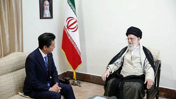 دیدار شینزو آبه، نخست وزیر ژاپن با علی خامنه ای، رهبر ایران