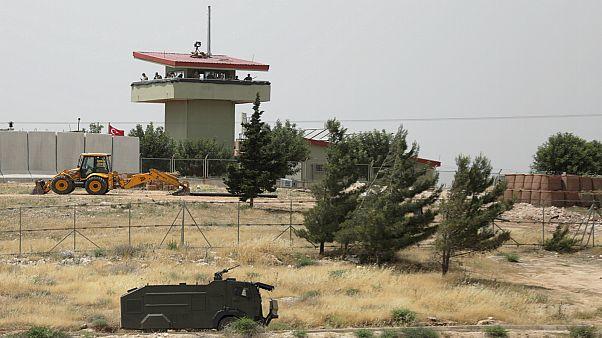 تركيا: الجيش السوري يشن هجوما على نقطة مراقبة تركية في إدلب السورية