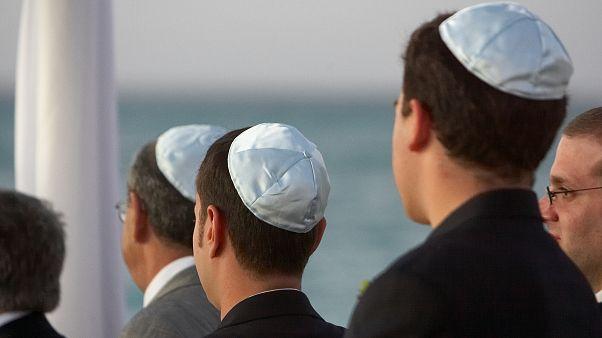 ما مدى صحة زيارة وفد سياحي إسرائيلي لمنزل أبو جهاد في تونس ؟