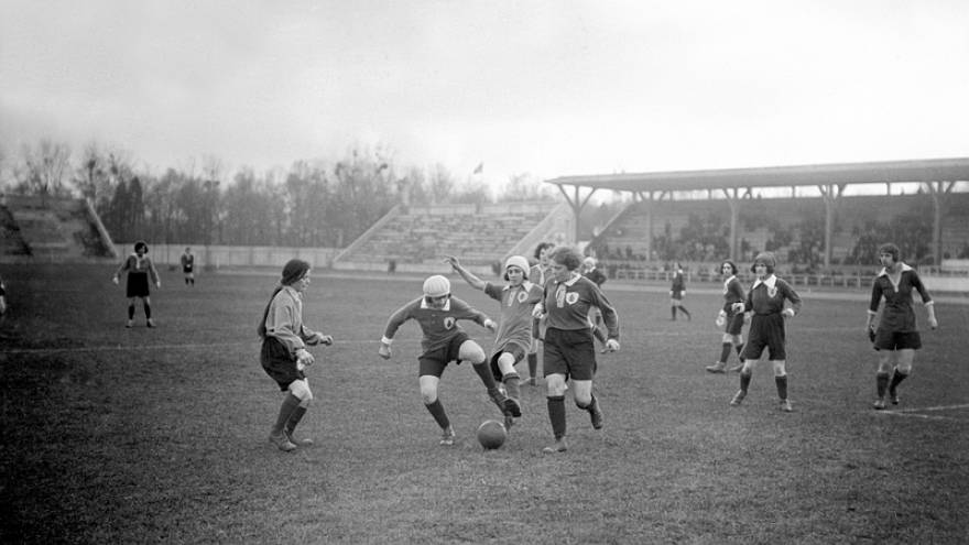 Match de football féminin en France en 1923