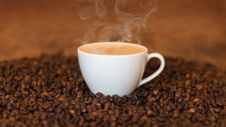 طفل مصاب بخلل جيني نادر يجد علاجه في القهوة بمحض الصدفة