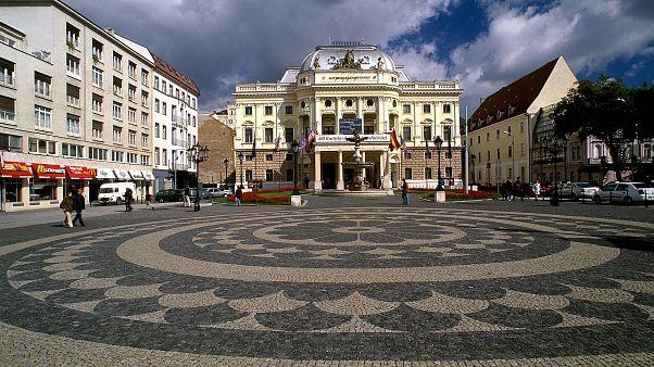 Slovakia - Bratislava - 10/2002Historical center / Opera house©EC/CE